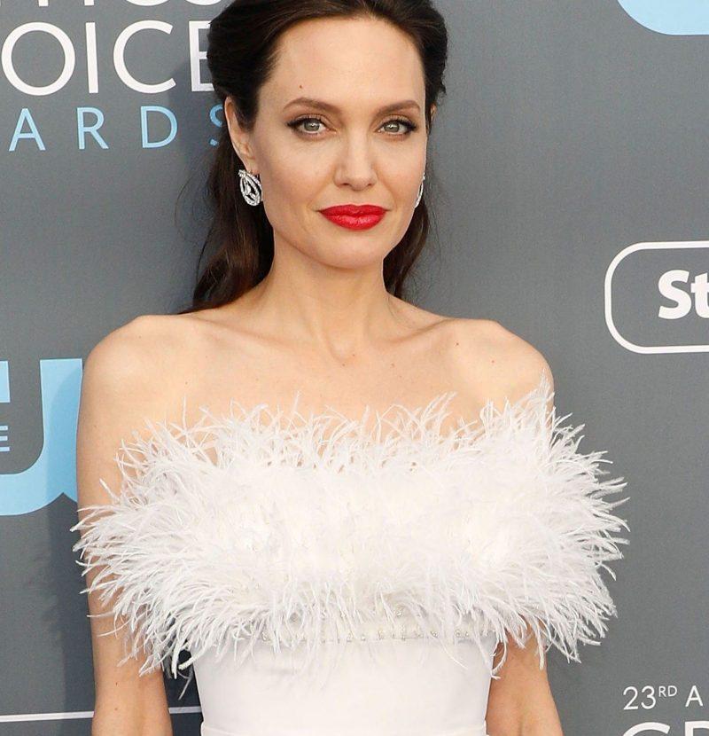 3fc116f7099 6 τρόποι να φορέσεις το λευκό σου φόρεμα - Miss Glitter
